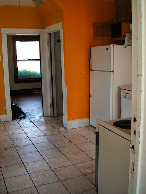 kitchen foreclosure before 1