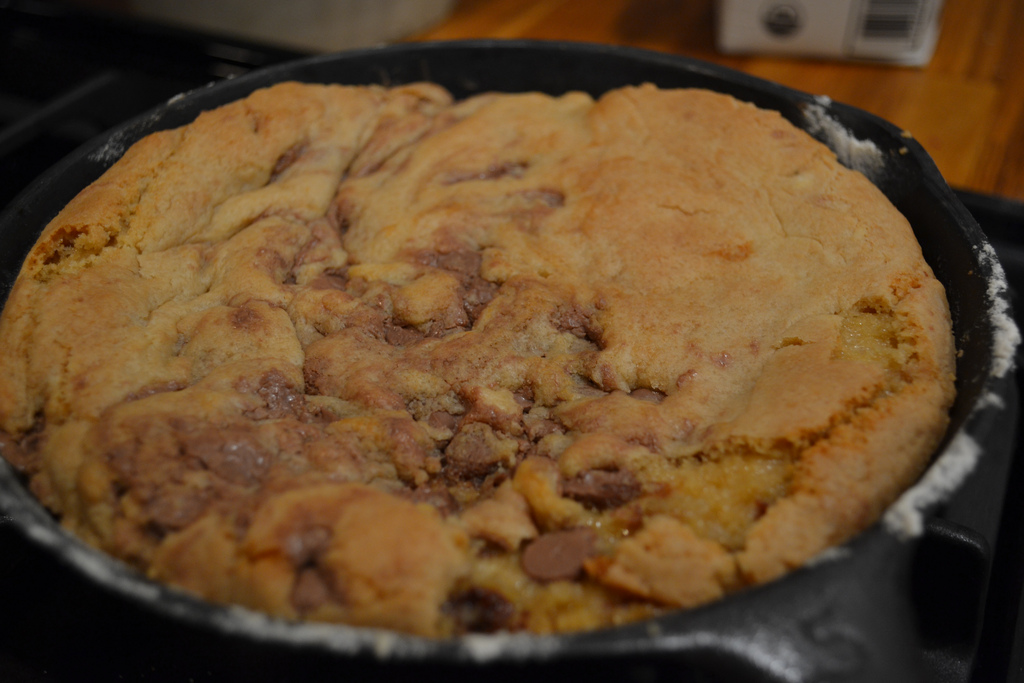 One pan skillet cookies - NewlyWoodwards