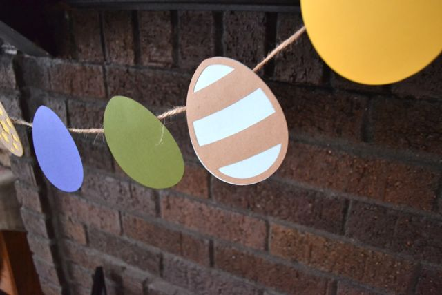 Easter banners and decor08