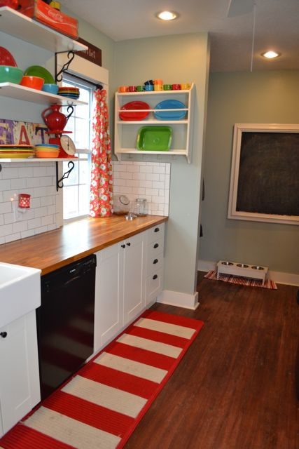 Kitchen red and aqua