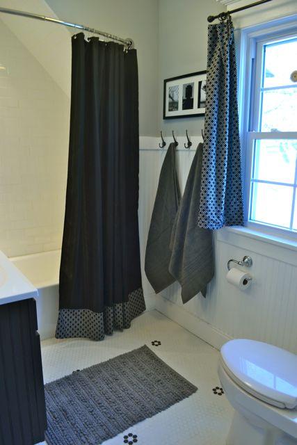 Bathroom black and white2