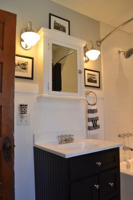 Bathroom black and white3
