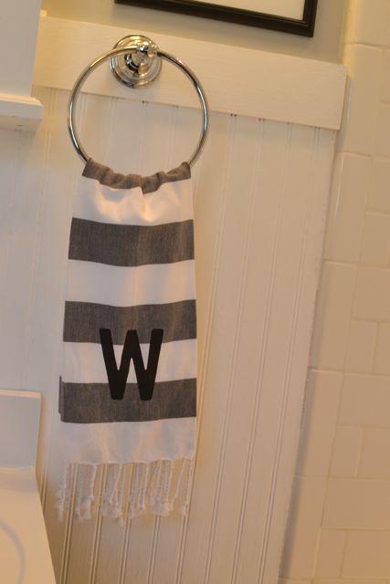 Bathroom black and white4