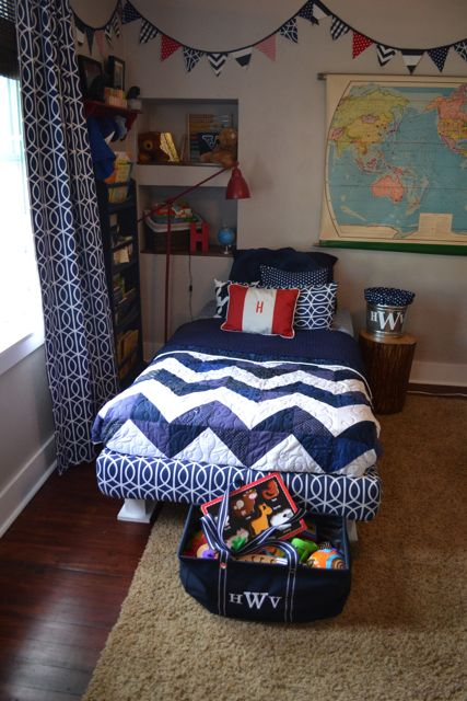 Chevron quilt blue and white1