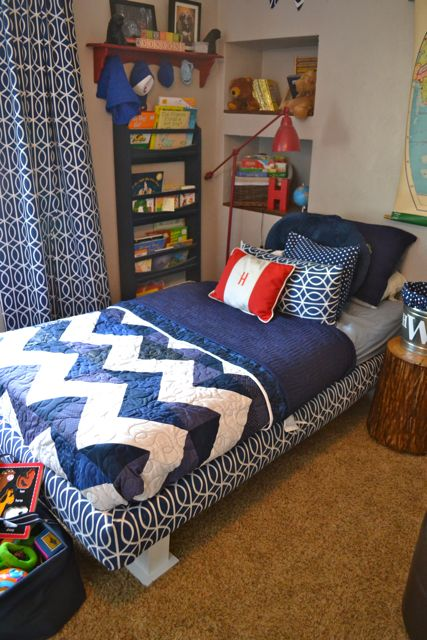 Chevron quilt blue and white2