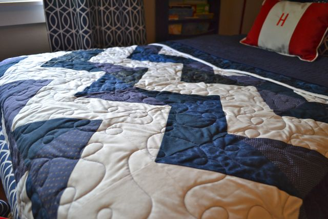 Chevron quilt blue and white4