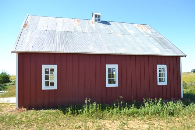 Barn windows trim3