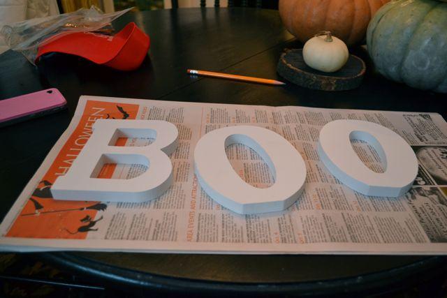 Boo Halloween Display Behr1