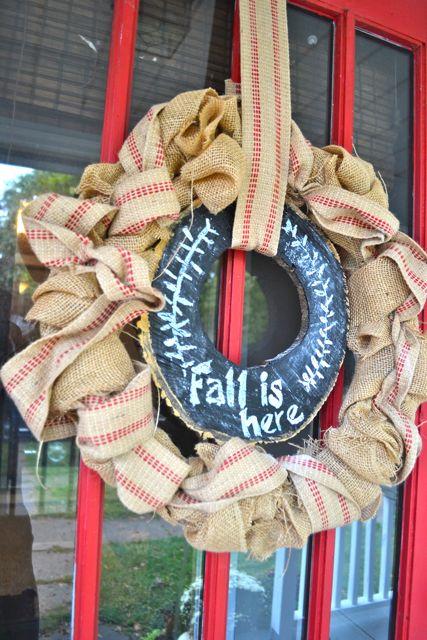 Burlap chalkboard tree slice wreath4