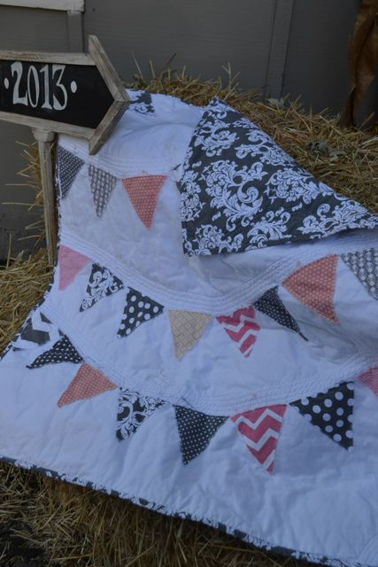 Coral and Gray Pennant Quilt2