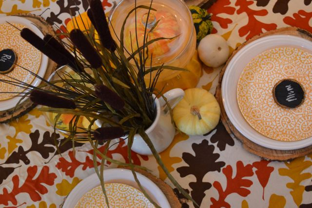 Dining Room Table Fall Yellow Tree Slices6