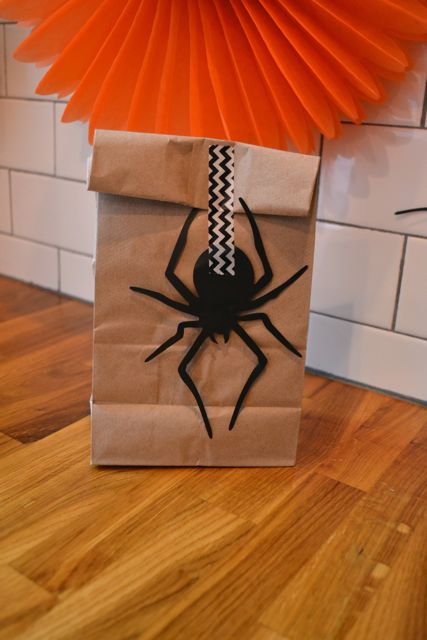 Halloween party favor1