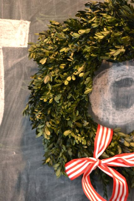 Boxwood wreath chalkboard3