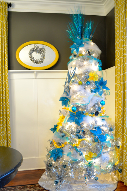 Dining Room Silver Turquoise Yellow Christmas3