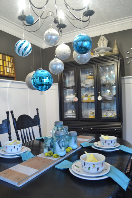 Dining Room Silver Turquoise Yellow Christmas6