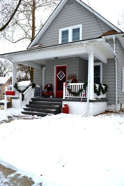 Exterior Christmas Decor3