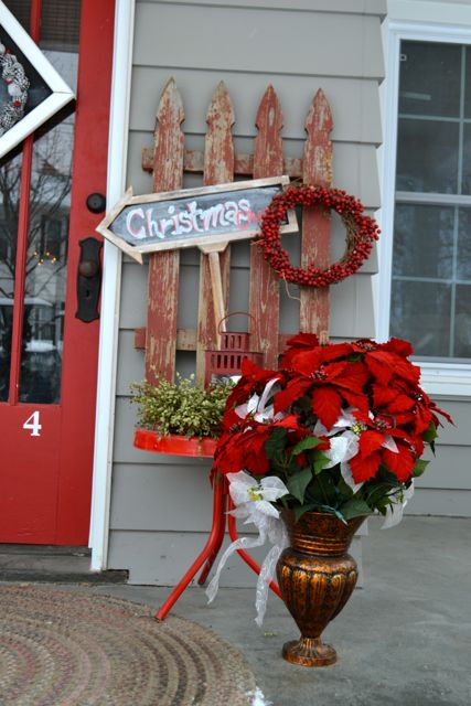 Exterior Christmas Decor5