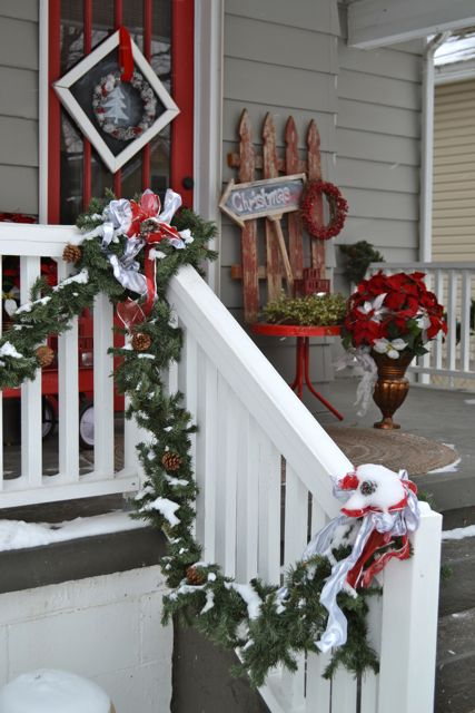Exterior Christmas Decor8