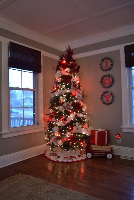 red living room ideas pictures - Multiple Personality Christmas Trees NewlyWoodwards