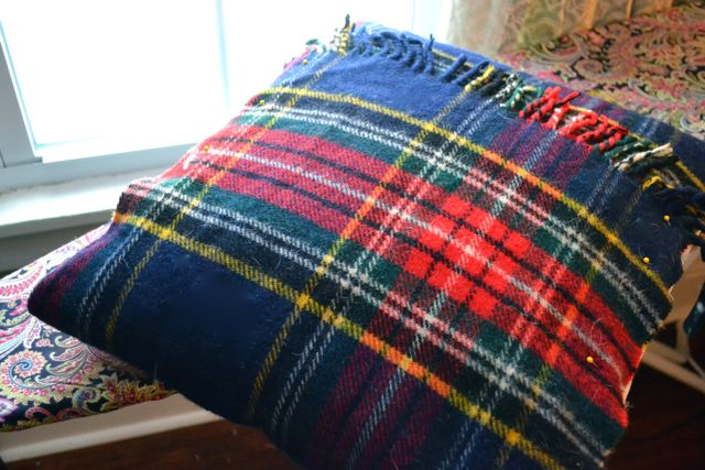 Plaid wool blanket to Christmas pillow1