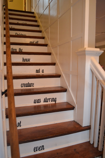 Staircase Christmas Decor2
