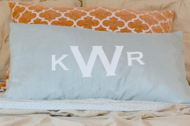 DIY monogram pillow1