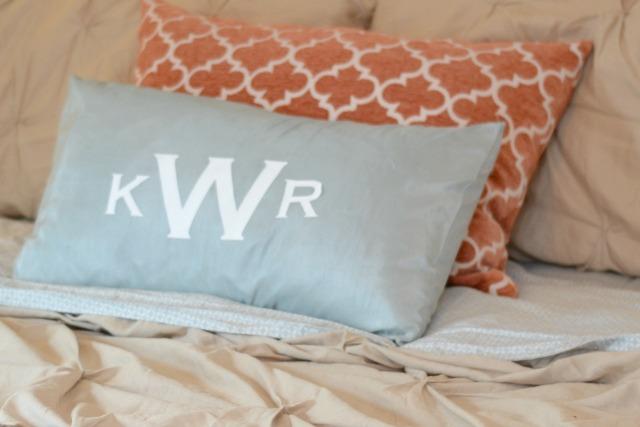 DIY monogram pillow2