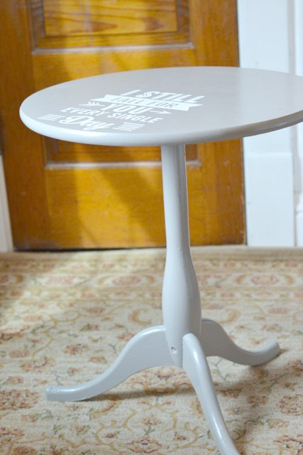 Graphic painted table DIY4