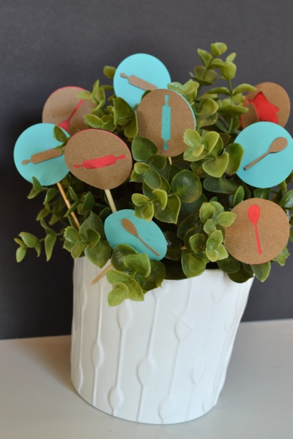 DIY cupcake toppers shower1