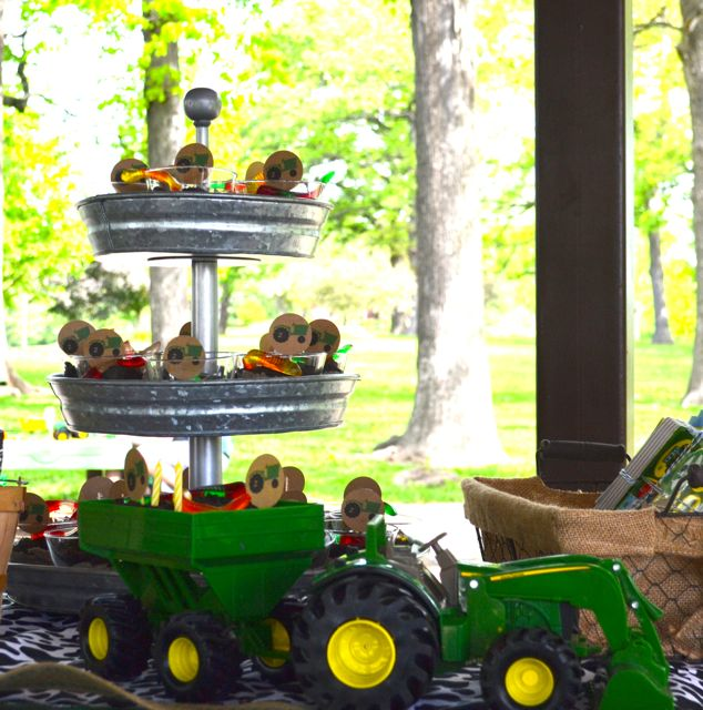 Tractor Party Johnny Tractor Two Years Birthday09