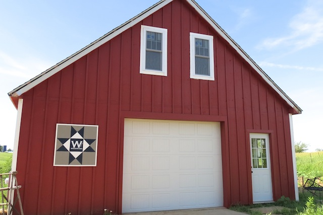 Barn red doors2