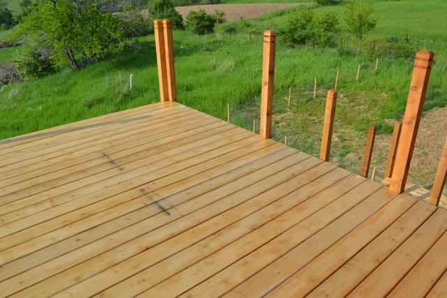 Cedar Deck Painted Rails02