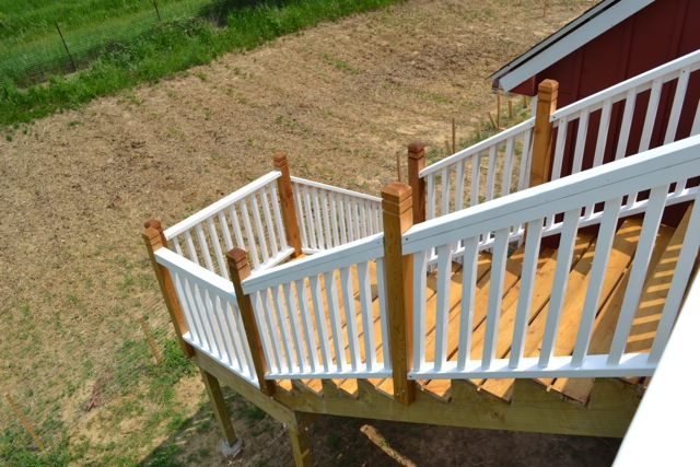 Cedar Deck Painted Rails07