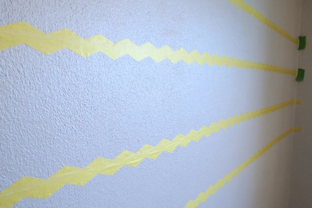 How to paint chevron on textured walls2