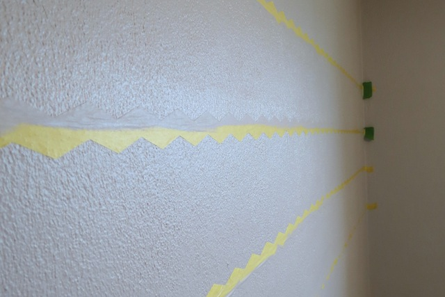 How to paint chevron on textured walls4