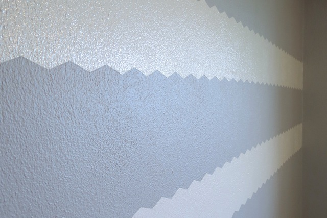 How to paint chevron on textured walls8