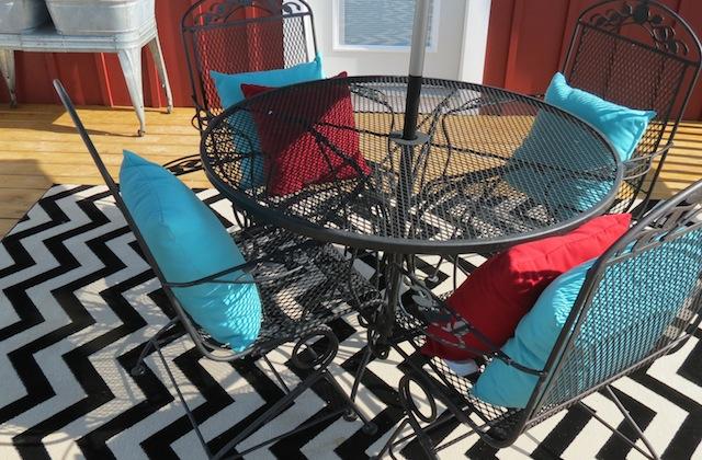 Mohawk rug chevron patio07