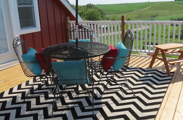 Mohawk rug chevron patio08