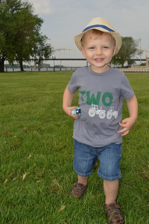 TWO Tractor Shirt7