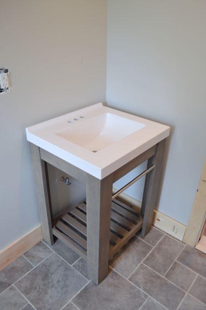 Barn bathroom laminate floor1