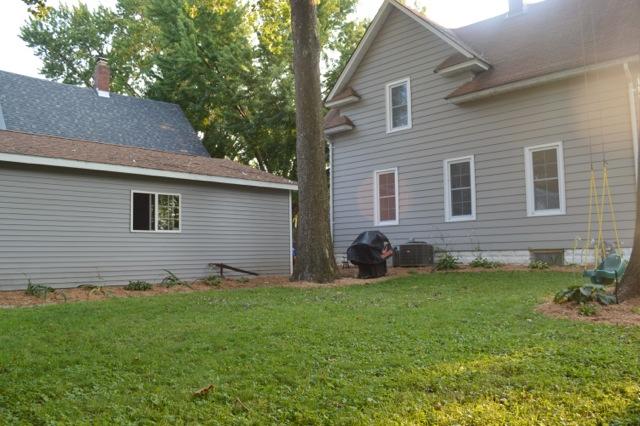 Yard mulch 20144