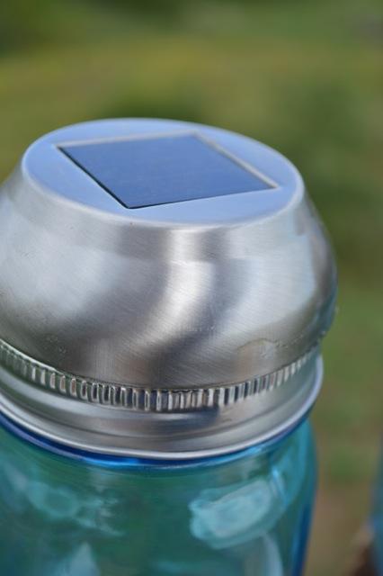 DIY Blue Ball Jar Solar Lights4