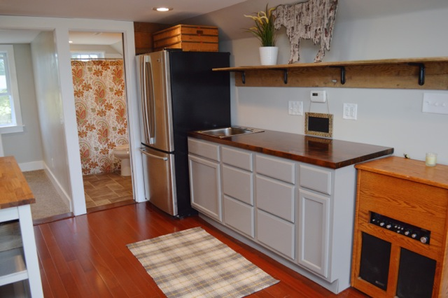 DIY tiny house kitchen 06