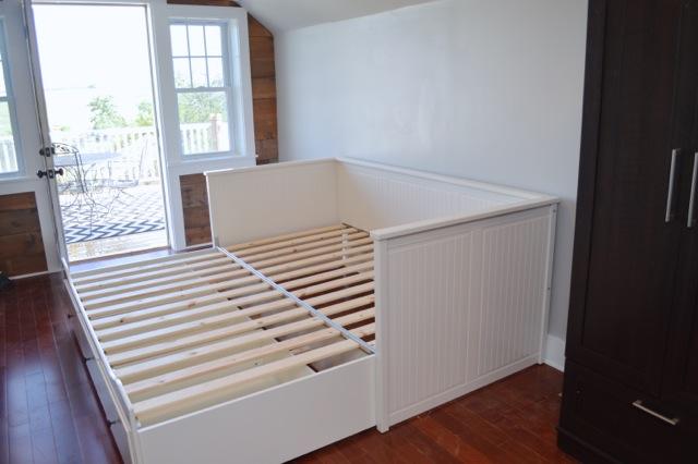 barn apartment furnishings03