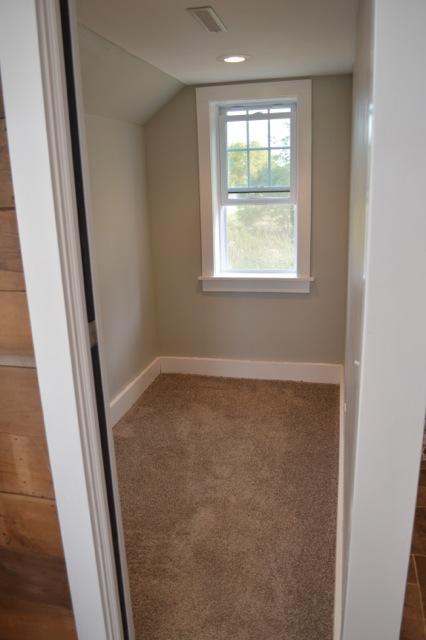Tiny bedroom barn NewlyWoodwards1