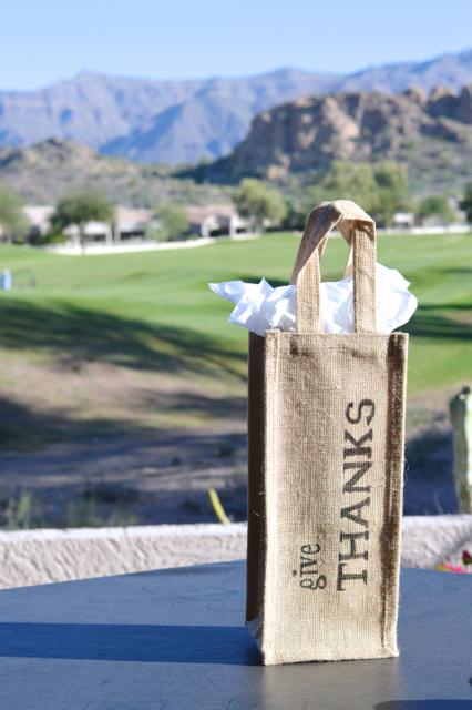 give thanks burlap hostess bag DIY2