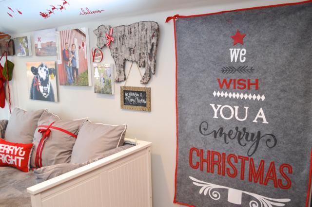 Christmas decor tiny house barn NewlyWoodwards09