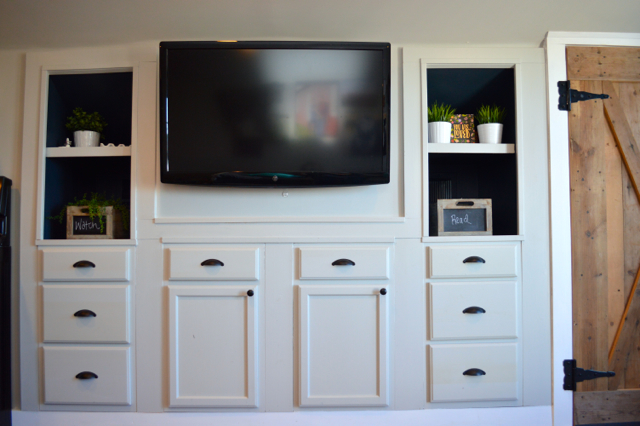 Mood built in shelves with Behr paint NewlyWoodwards10