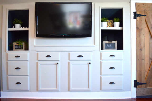 Mood built in shelves with Behr paint NewlyWoodwards11