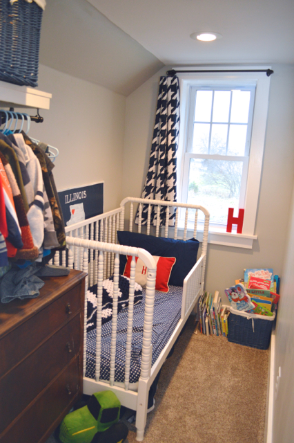 Tiny toddler bedroom4
